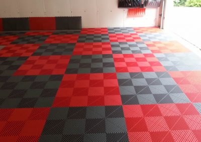 Red-and-Grey-Checkerboard-Design-Garage